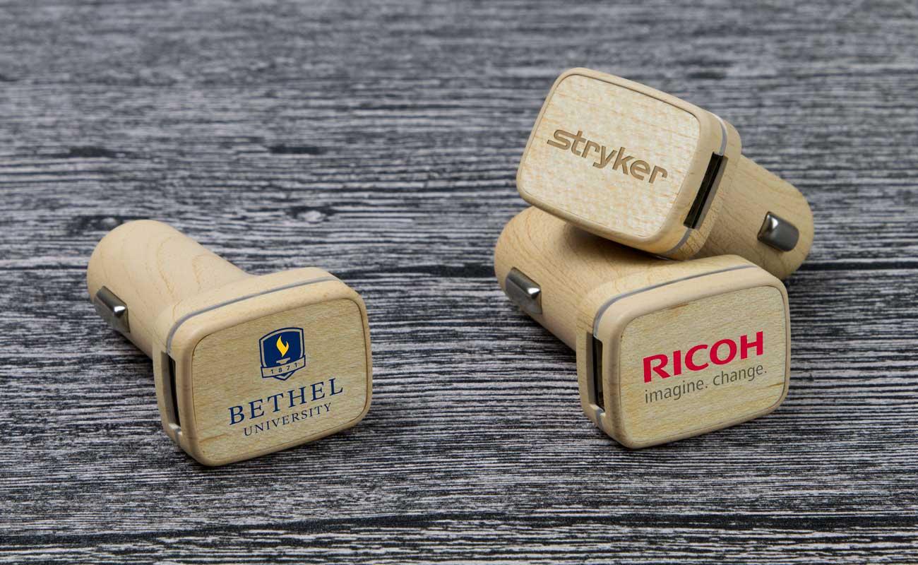 Woodie - Caricabatteria per Auto USB Personalizzati